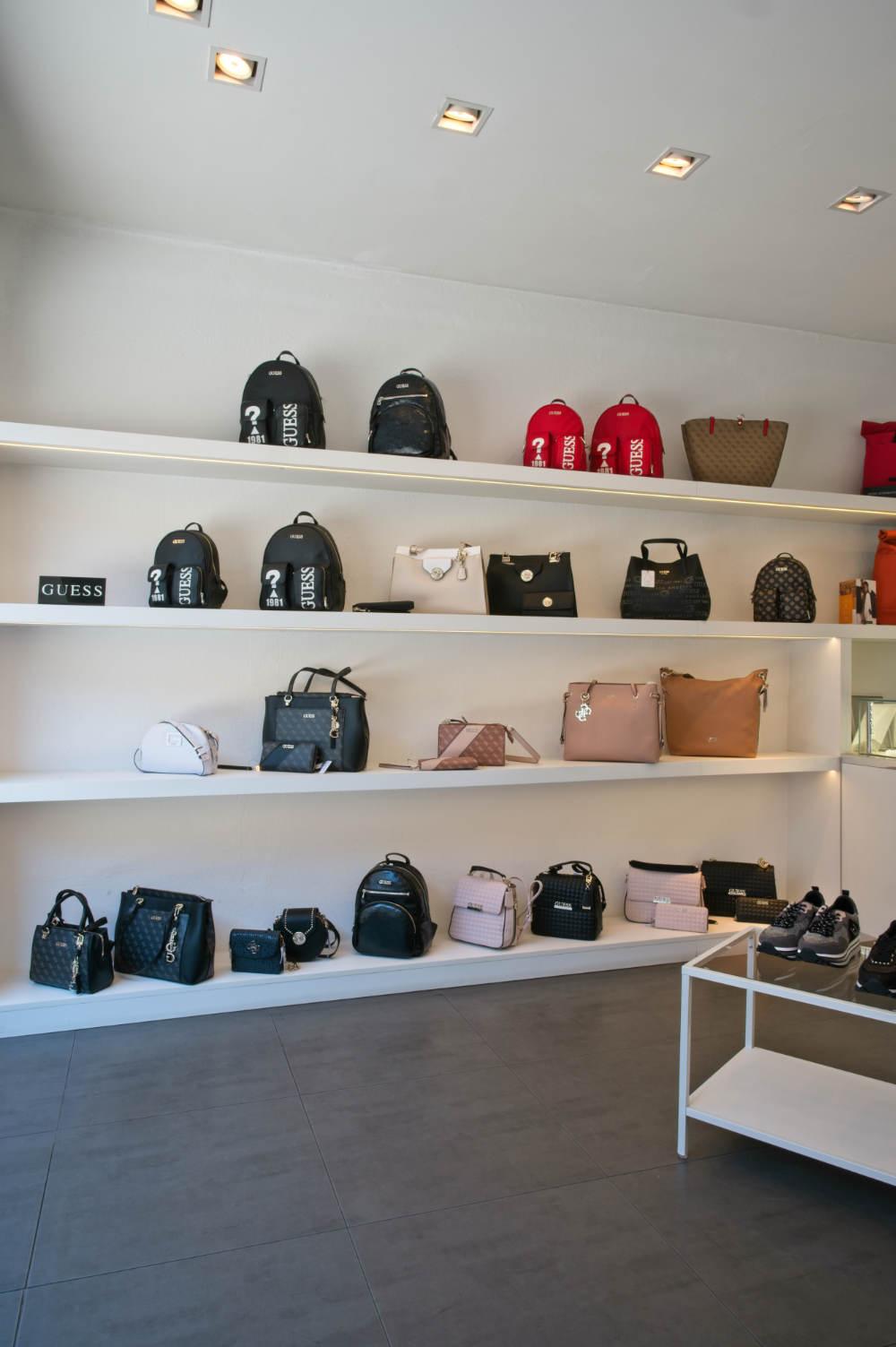 Veronika Bacher Handtaschen Wall